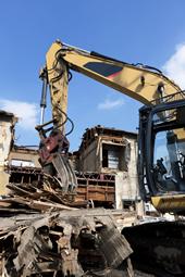 一戸建てからビル・マンションまでご希望に沿った解体を行います。