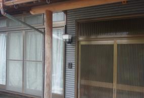 三木市T様邸:玄関柱・梁塗装ビフォー